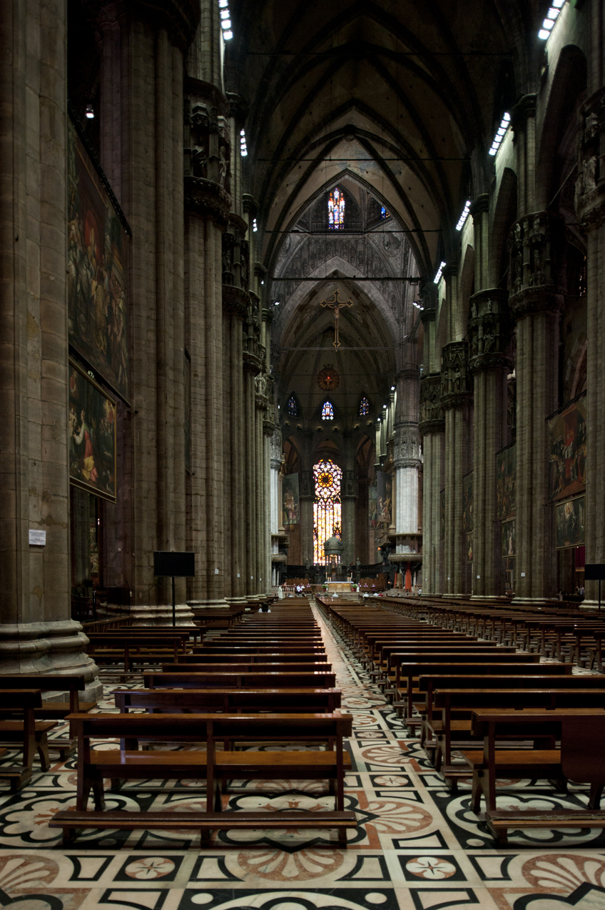 appreciating a gothic cathedral milan cathedral essay Building the great cathedrals perhaps the best-known gothic cathedral, stefaan van liefferinge, a physicist turned art historian.